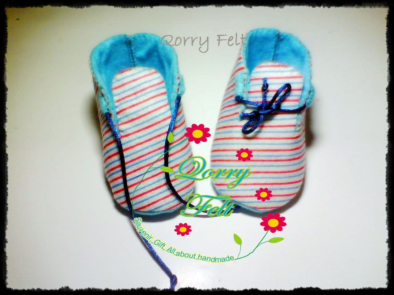 Sepatu Bayi Dari Flanel Dengan Hiasan Cantik Bisa Untuk Hadiah