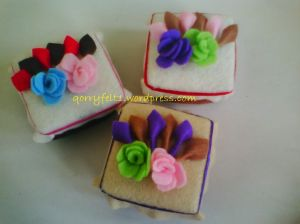 kotak cincin hias bunga