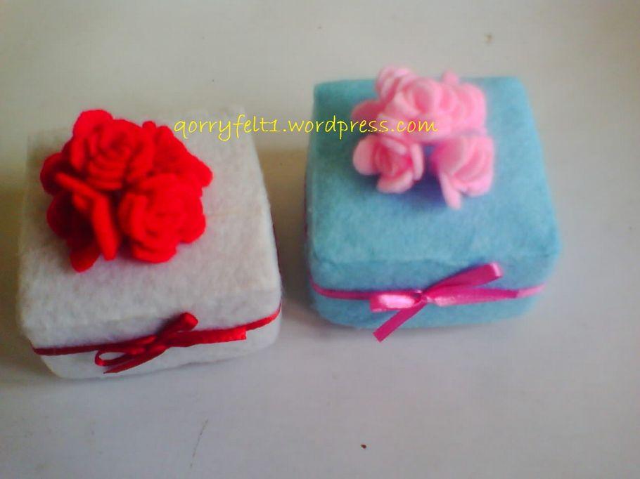 Kotak Cincin Hias Bunga Flanel Dan Pita