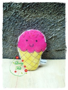 mainan anak-anak bentuk ice cream