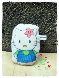 Boneka hello kitty unik