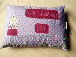 bantal aplikasi happy birthday