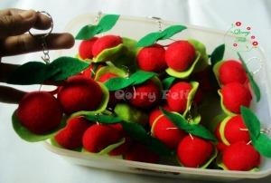 souvenir gantungan kunci buah cerry